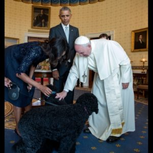 President Barack Obama and First Lady Michelle Obama introduced Pope Francis to their family pets Bo and Sunny in the Blue Room following the State Arrival Ceremony on the South Lawn of the White House, Sept. 23, 2015. (Official White House Photo by Pete Souza)