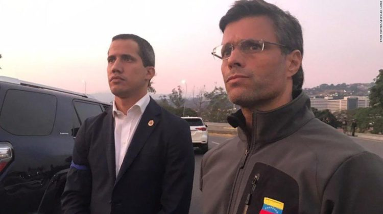 Venezuelan opposition leaders Juan Guaidó (left) and Leopoldo Lopez (right).
